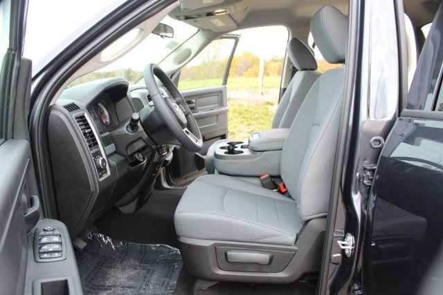 2019 Ram 1500 Quad Cab 4x4,  Pickup #L19D343 - photo 10