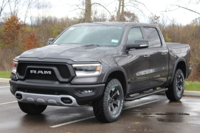 2019 Ram 1500 Crew Cab 4x4,  Pickup #L19D403 - photo 4