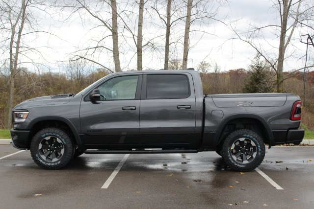 2019 Ram 1500 Crew Cab 4x4,  Pickup #L19D403 - photo 5