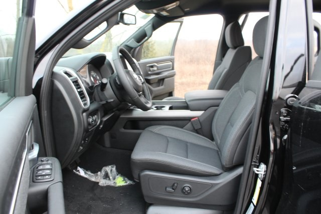 2019 Ram 1500 Crew Cab 4x4,  Pickup #L19D552 - photo 10
