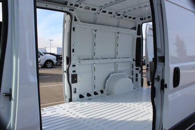 2018 ProMaster 2500 High Roof FWD,  Empty Cargo Van #LD18A092 - photo 13