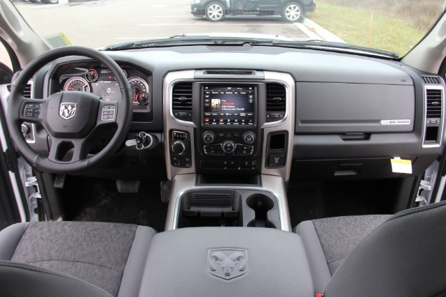 2018 Ram 1500 Crew Cab 4x4, Pickup #LD18D157 - photo 15
