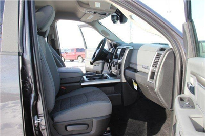2018 Ram 1500 Crew Cab 4x4, Pickup #LD18D343 - photo 28