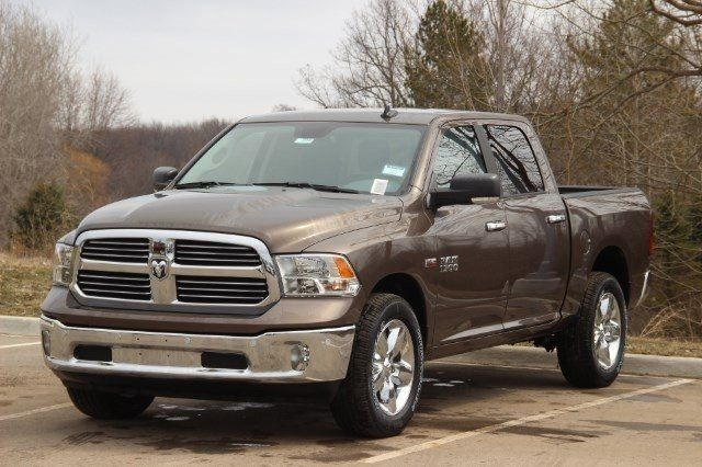 2018 Ram 1500 Crew Cab 4x4, Pickup #LD18D574 - photo 4