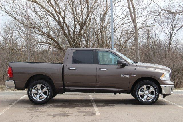 2018 Ram 1500 Crew Cab 4x4, Pickup #LD18D574 - photo 8
