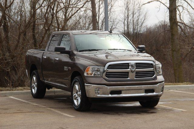 2018 Ram 1500 Crew Cab 4x4, Pickup #LD18D574 - photo 18
