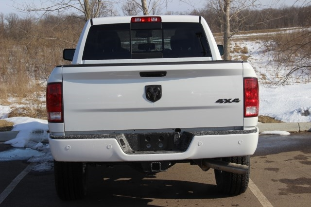 2018 Ram 2500 Crew Cab 4x4, Pickup #LD18D577 - photo 7