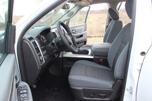 2018 Ram 1500 Crew Cab 4x4, Pickup #LD18D643 - photo 10