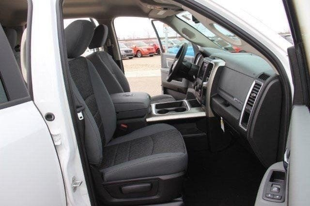 2018 Ram 1500 Crew Cab 4x4, Pickup #LD18D643 - photo 28