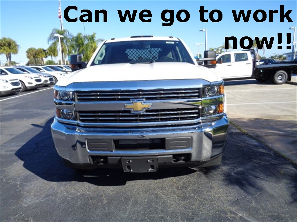 2017 Silverado 3500 Crew Cab 4x4, Platform Body #N7242 - photo 3