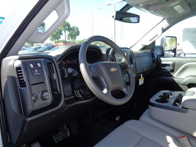 2017 Silverado 3500 Crew Cab 4x4, Platform Body #N7242 - photo 15