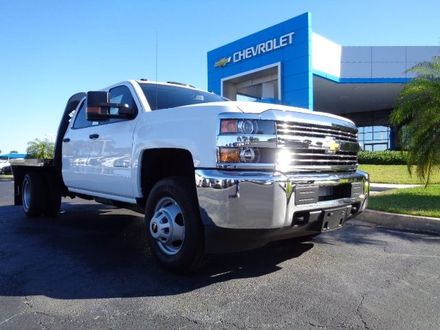 2017 Silverado 3500 Crew Cab 4x4, Platform Body #N7242 - photo 25