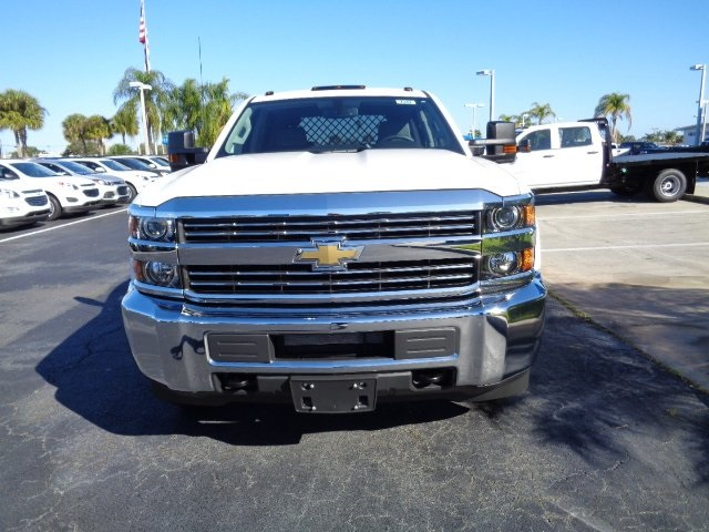 2017 Silverado 3500 Crew Cab 4x4, Platform Body #N7242 - photo 4