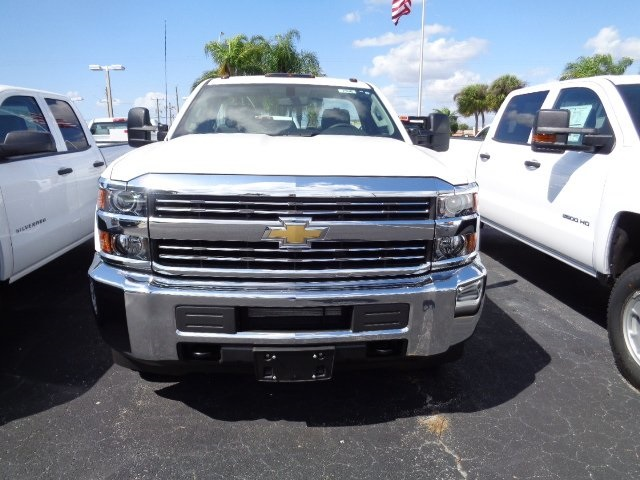 2017 Silverado 3500 Regular Cab 4x4, Cab Chassis #N7396 - photo 3