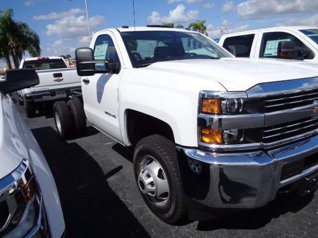 2017 Silverado 3500 Regular Cab 4x4, Cab Chassis #N7396 - photo 4