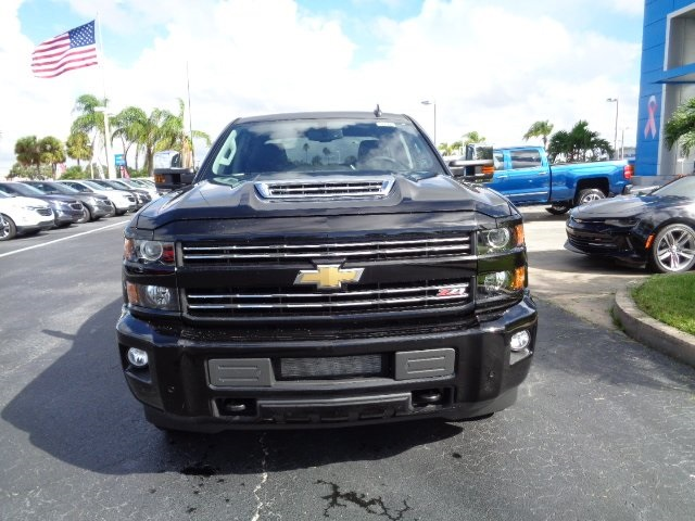 2018 Silverado 2500 Crew Cab 4x4 Pickup #N8122 - photo 3