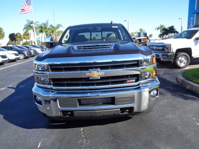 2018 Silverado 2500 Crew Cab 4x4 Pickup #N8131 - photo 3