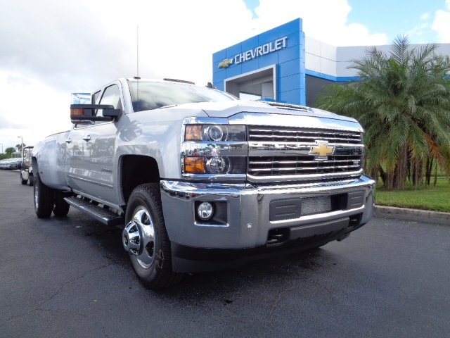 2018 Silverado 3500 Crew Cab 4x4 Pickup #N8133 - photo 31