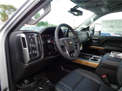2018 Silverado 3500 Crew Cab 4x4 Pickup #N8133 - photo 16