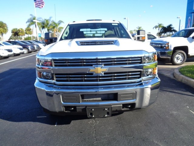 2018 Silverado 3500 Crew Cab DRW 4x4, CM Truck Beds SK Model Platform Body #N8157 - photo 3