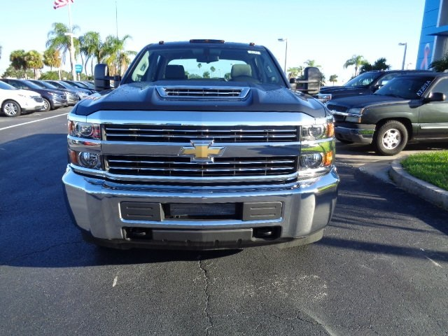 2018 Silverado 3500 Crew Cab 4x4 Pickup #N8170 - photo 3