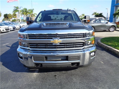 2018 Silverado 3500 Crew Cab 4x4 Pickup #N8183 - photo 3