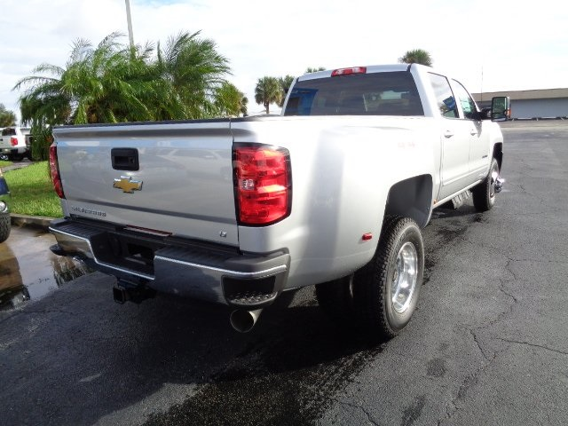 2018 Silverado 3500 Crew Cab 4x4 Pickup #N8193 - photo 2