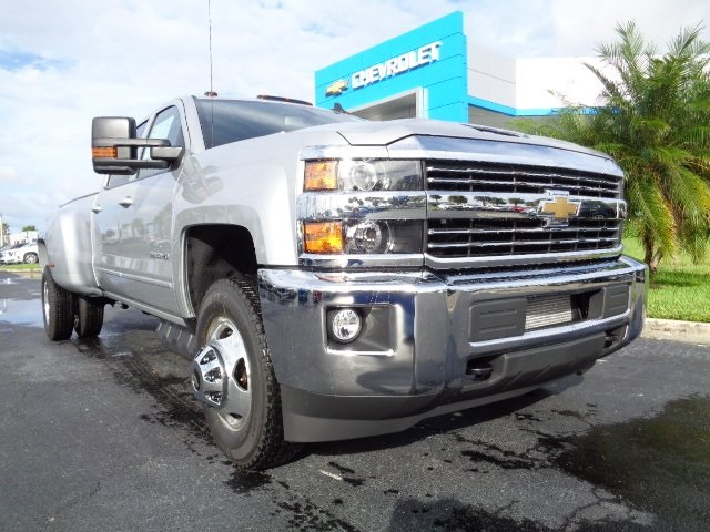 2018 Silverado 3500 Crew Cab 4x4 Pickup #N8193 - photo 29