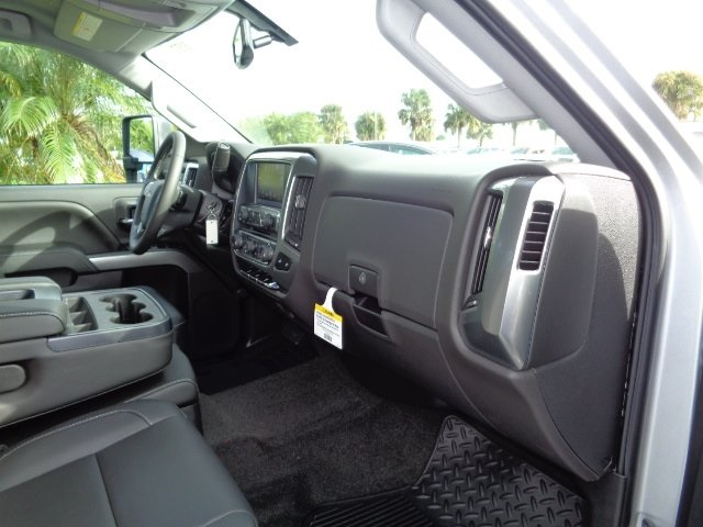 2018 Silverado 3500 Crew Cab 4x4 Pickup #N8193 - photo 8