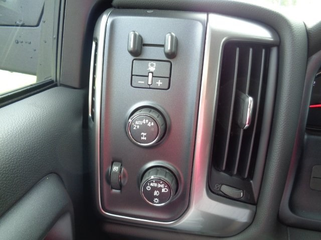 2018 Silverado 1500 Crew Cab 4x4, Pickup #N8222 - photo 18