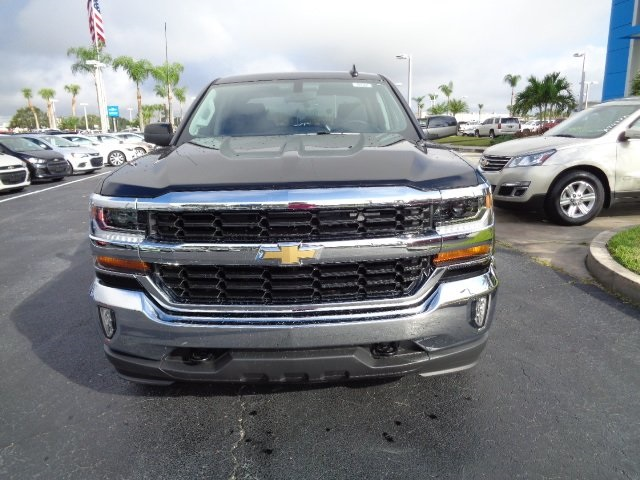 2018 Silverado 1500 Crew Cab 4x4, Pickup #N8222 - photo 3