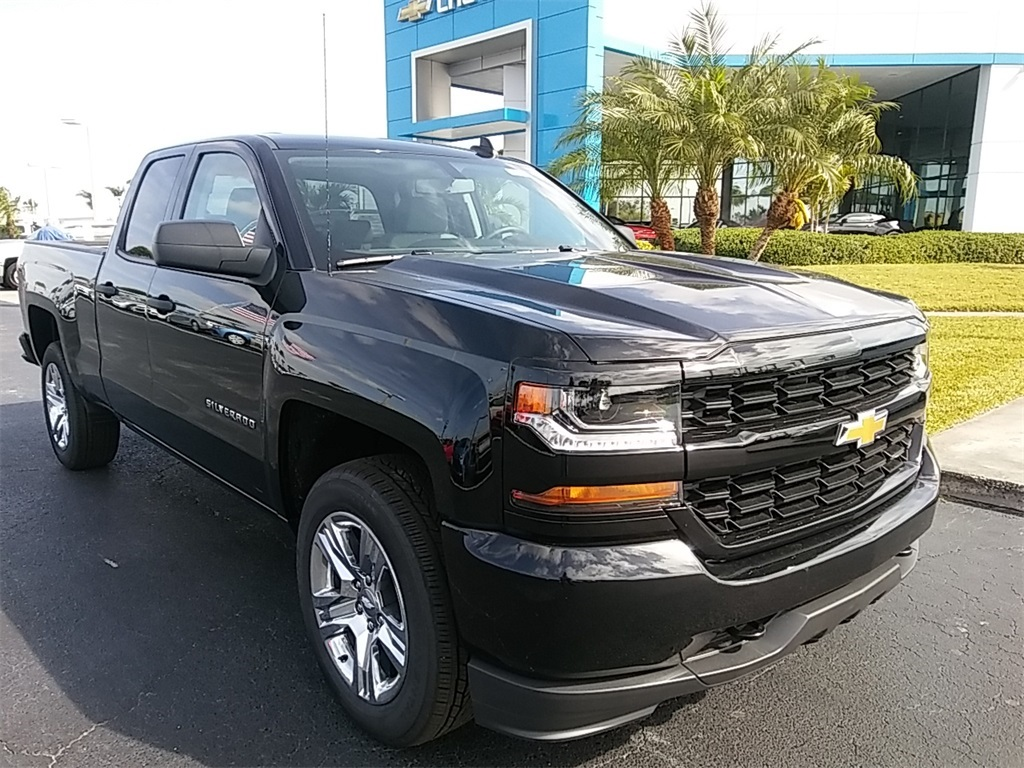 2018 Silverado 1500 Double Cab 4x4, Pickup #N8375 - photo 3