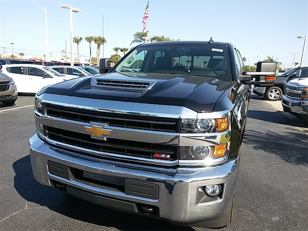 2018 Silverado 2500 Crew Cab 4x4, Pickup #N8499 - photo 3