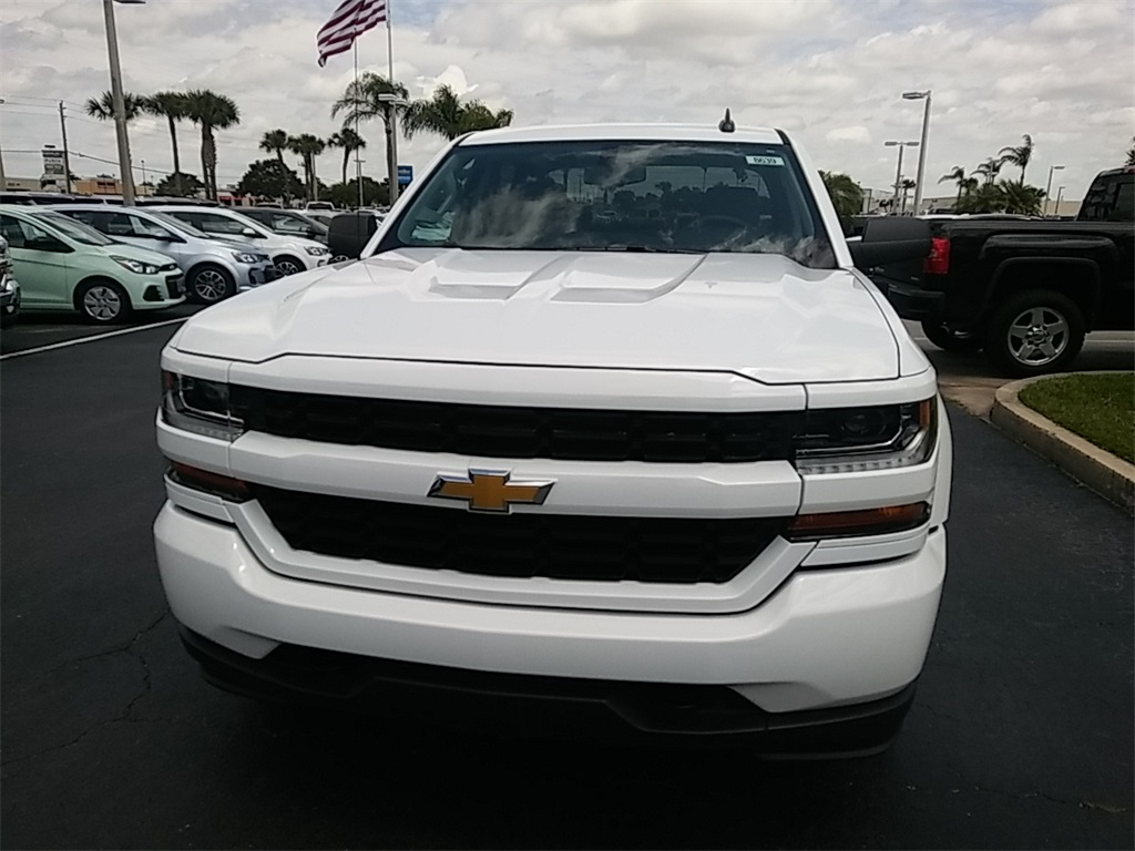2018 Silverado 1500 Crew Cab 4x2,  Pickup #N8639 - photo 3