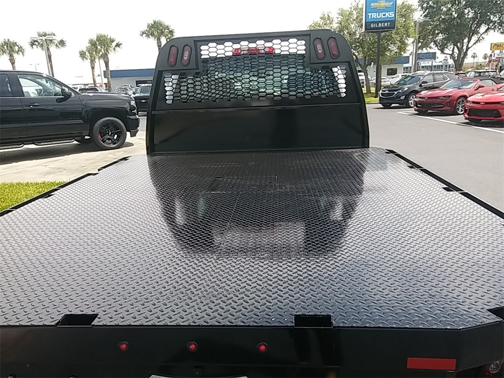 2018 Silverado 3500 Crew Cab DRW 4x4, Platform Body #N8750 - photo 13