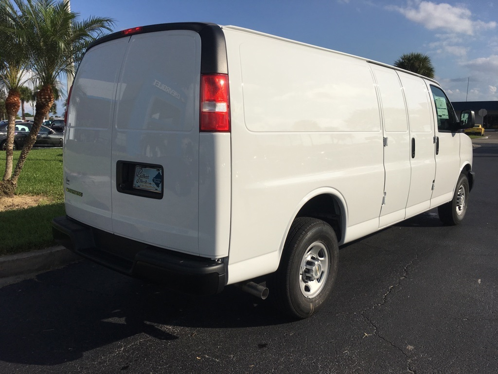 2018 Express 2500 4x2,  Empty Cargo Van #N8950 - photo 8