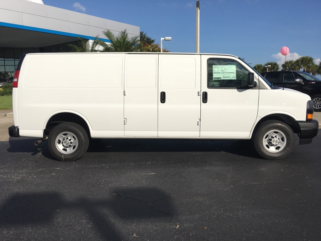 2018 Express 2500 4x2,  Empty Cargo Van #N8950 - photo 9
