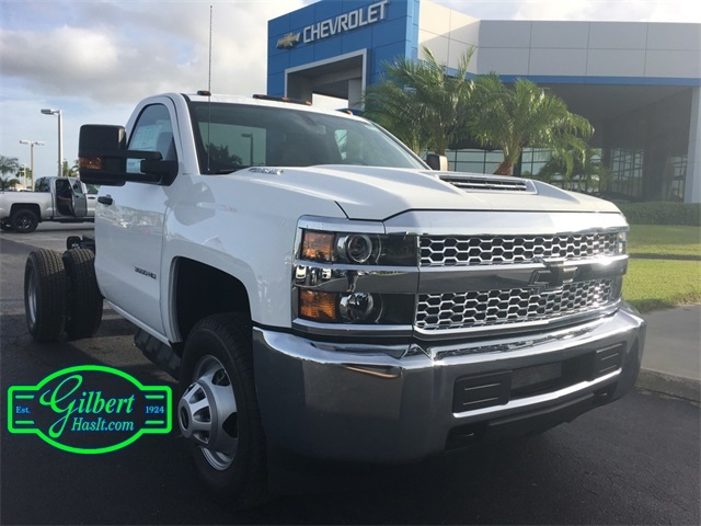 2019 Silverado 3500 Regular Cab DRW 4x4,  Cab Chassis #NC9133 - photo 3