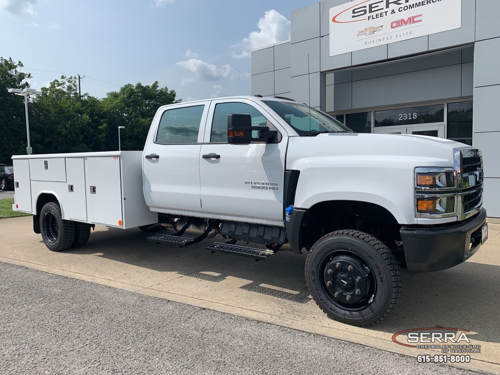 2020 Chevrolet Silverado 5500 Crew Cab DRW 4x4, Reading Classic II Steel Service Body #C203000 - photo 1