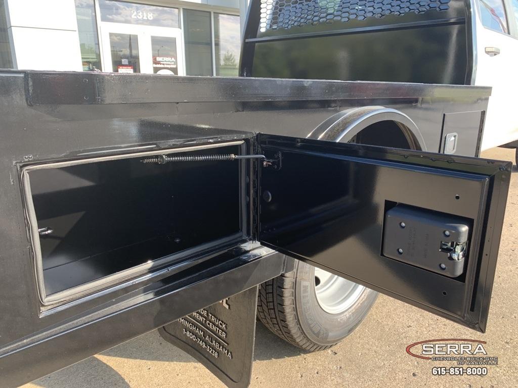 2020 Chevrolet Silverado 3500 Crew Cab DRW 4x4, Knapheide PGNC Gooseneck Platform Body #C203401 - photo 11