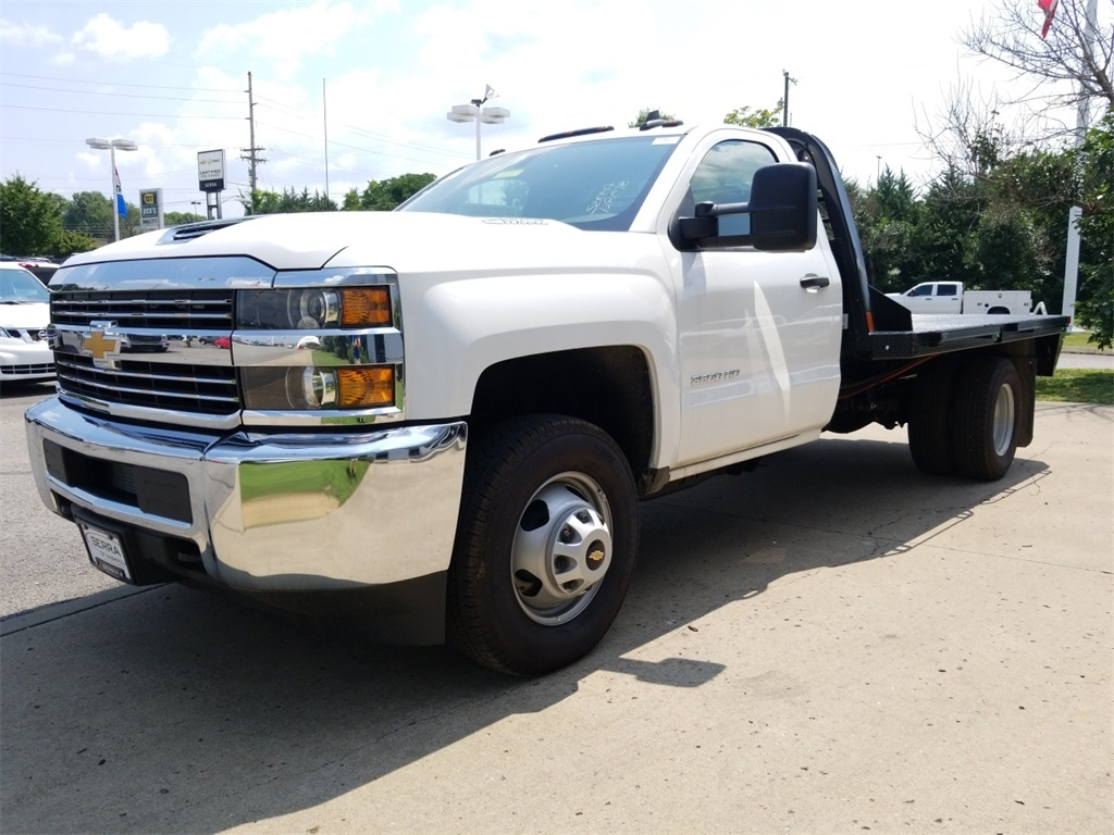 2018 Silverado 3500 Regular Cab DRW 4x2,  Freedom Platform Body #C80857 - photo 4