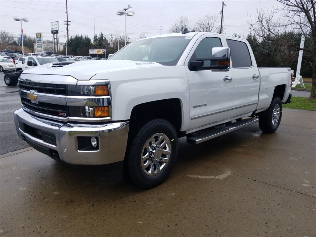 2018 Silverado 3500 Crew Cab 4x4,  Pickup #C81031 - photo 4