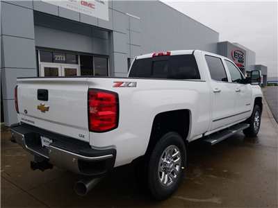 2018 Silverado 3500 Crew Cab 4x4,  Pickup #C81031 - photo 2