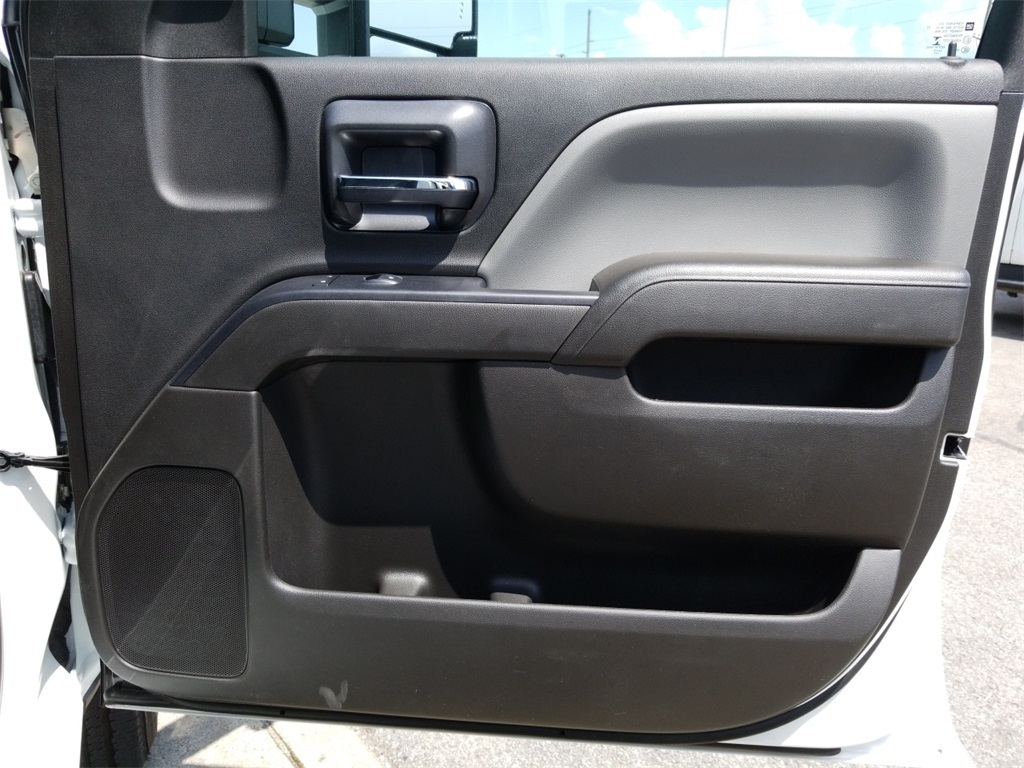 2018 Silverado 2500 Crew Cab 4x2,  Reading SL Service Body #C82235 - photo 23