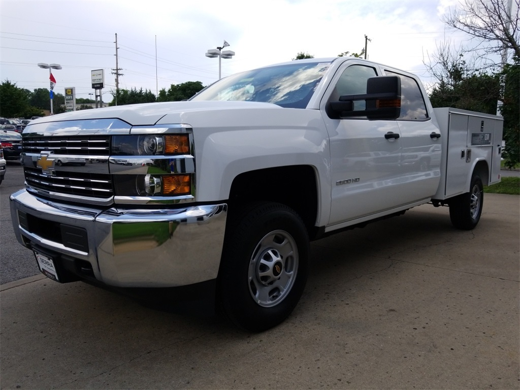 2018 Silverado 2500 Crew Cab 4x2,  Reading SL Service Body #C82235 - photo 4