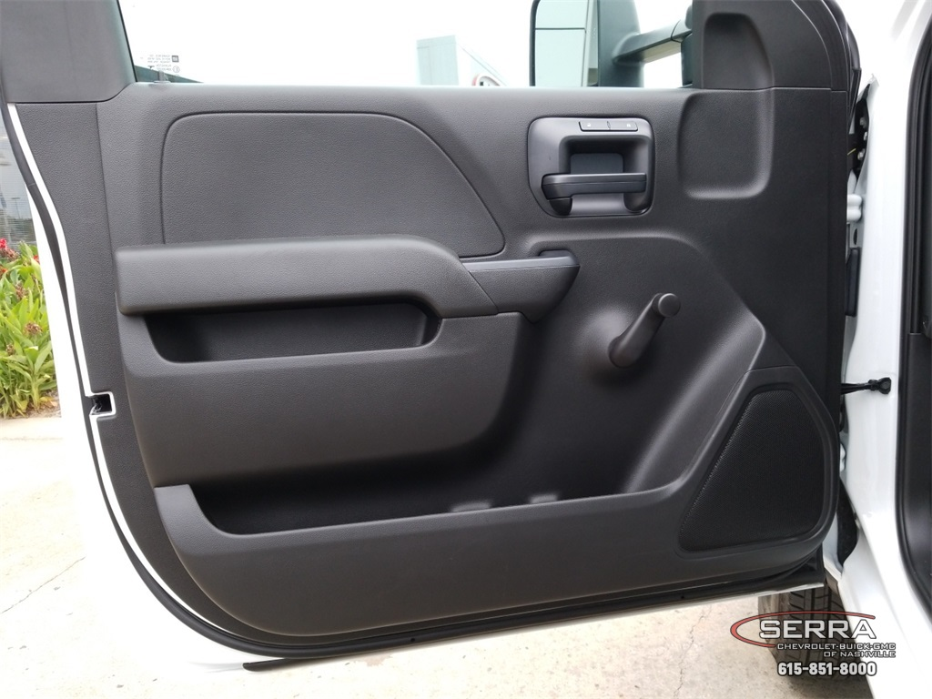 2018 Silverado 3500 Regular Cab DRW 4x2,  Southern Coach Platform Body #C82460 - photo 21