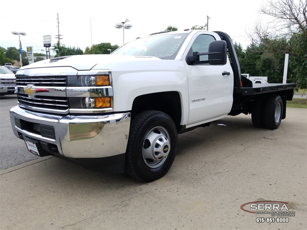 2018 Silverado 3500 Regular Cab DRW 4x2,  Southern Coach Platform Body #C82460 - photo 4