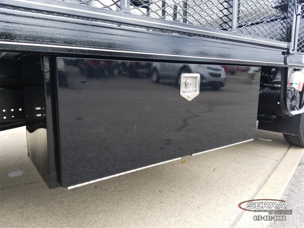 2018 LCF 4500 Regular Cab,  Wil-Ro Standard Dovetail Landscape #C82663 - photo 9