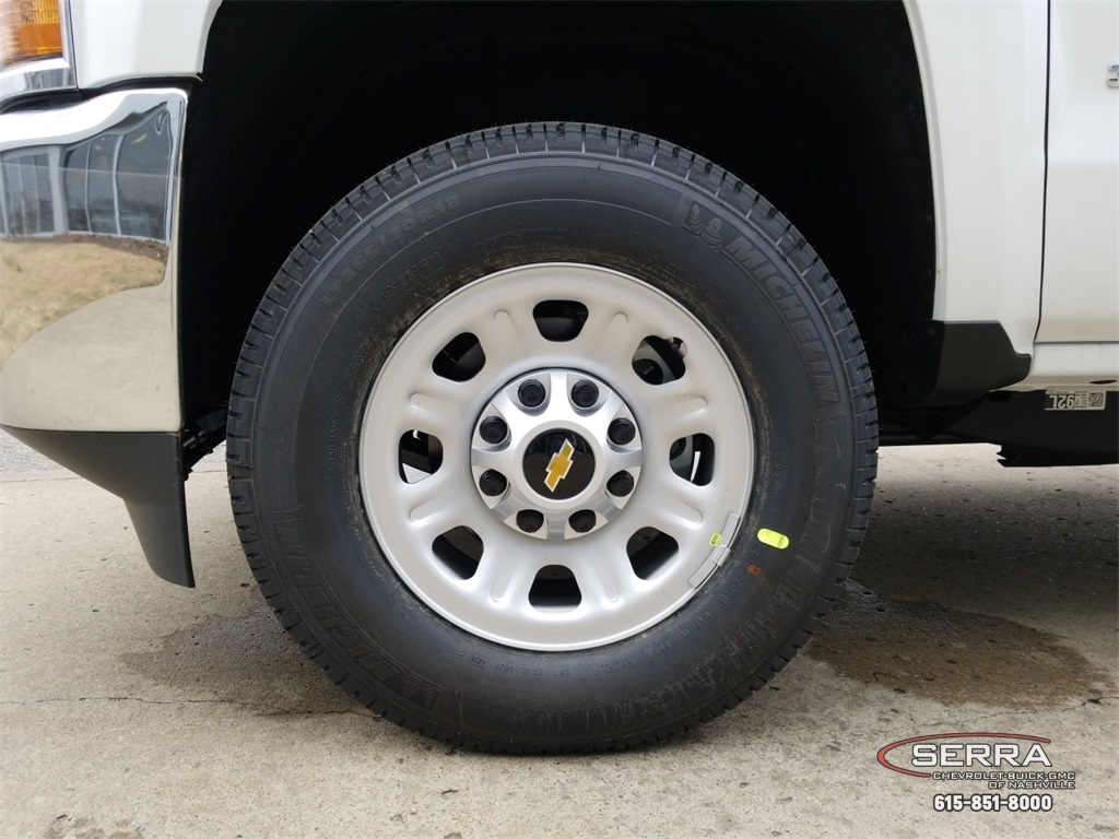 2019 Silverado 3500 Crew Cab 4x4,  Pickup #C92559 - photo 18