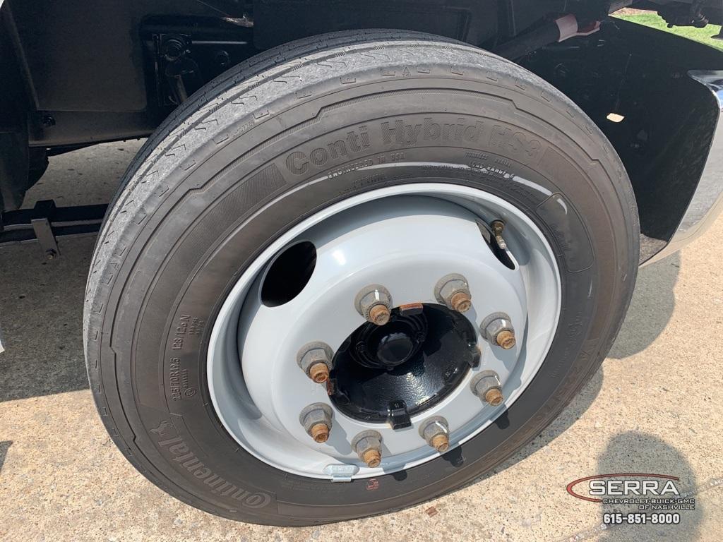 2019 Chevrolet Silverado 5500 Regular Cab DRW 4x2, CM Truck Beds SK Model Platform Body #C96333 - photo 17